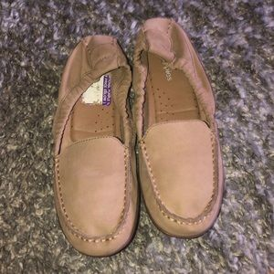 Hush Puppies loafers 8